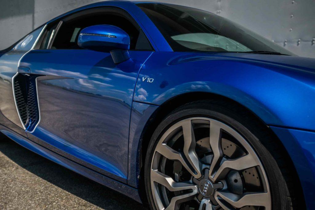 Audi V10 blue